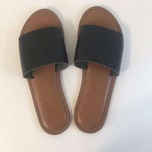 Universal Thread Black Sandals
